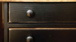 Vintage Creations Furniture Finish Sample - Distressed 2-Tone